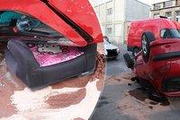 Řidič v Kladně obrátil auto na střechu: Z místa nehody utekl