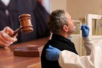Soud smetl povinné testování ve firmách, bylo nezákonné. Nic se ale nemění