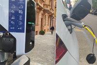 Přes 200 tisíc elektromobilů v Praze do 10 let? Hlavní město se připravuje, obnovuje kabely