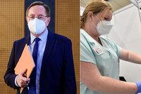 Koronavirus ONLINE: 28 229 úmrtí v ČR. Stačilo objednat letadlo, řekl k Hamáčkovi v Moskvě Arenberger