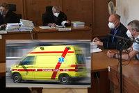 Na chlapečka spadla branka, lékař pochybil, dítě (†4) zemřelo! Dostal podmínku a nesmí léčit