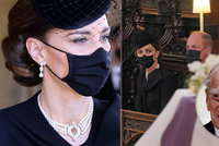 Kate Middletonová na pohřbu Philipa (†99): Vzácný šperk na krku hovořil za vše!