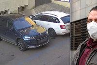 Vloupání do aut v centru Prahy masivně přibývá. Kriminalisté poslali za měsíc do vazby 11 lidí