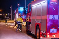 Ničivý požár v Čestlicích u Prahy: McDonald's spálily plameny, škoda je 10 milionů