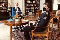 Mlčící Zeman přijal na Hradě šéfa policie Švejdara. Kvůli informacím o Vrběticích