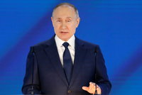 Drama před vzletem: Agenti zastavili letadlo, aby sebrali Putinova kritika