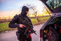 Podnikatel Jiří (41) vystřelil z brokovnice na rodinu v autě: Policie ukončila vyšetřování