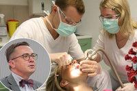 Češi zanedbávali zubní prevenci, varuje Šmucler. A promluvil o strastech stomatologů