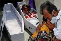 Tělo milované ženy nesl tři kilometry, aby ji mohl pohřbít. Utrpení v Indii láme srdce