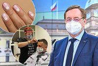 Právník o složkách u kadeřnic: Osobní údaje jsou v Česku chráněné. Jak to bude s evidencí testů?