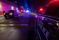 Muž vtrhl do kasina a zastřelil dva kamarády. Šílence pak usmrtili policisté