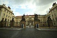 Pražský hrad jen pro vyvolené? Zda je, nebo není veřejným prostranstvím, rozhodne Nejvyšší soud