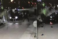 Hrozivé video z Mladé Boleslavi: Takhle auto srazilo u brány chodce!