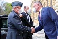 Nástupce generála Pavla v NATO: S Metnarem v Praze řešil i Vrbětice a hrozbu Ruska