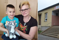 """Manželova """"láska"""" k alkoholu ji dohnala na ulici. O dva syny se stará v bytu pro bezdomovce"""
