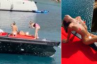 """Další ukrajinské modelky se svlékly, aby napodobily """"kolegyně"""" z Dubaje: Skončily na policii"""