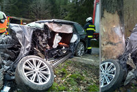 Tragédie u Dolního Dvořiště: Mladý řidič tam poslal svého passata přímo do stromu!