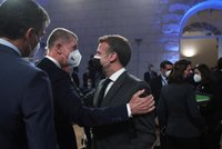 """Babiš přiletěl do Portugalska na večeři s lídry EU. Plán na zlevnění vakcín """"nešmakuje"""" všem"""