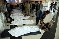 Série výbuchů u školy v Kábulu: Nejméně 40 obětí, umíraly hlavně děti