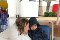 Chlapci (8) museli transplantovat ledvinu od mámy kvůli banální infekci: Nakazil se na procházce