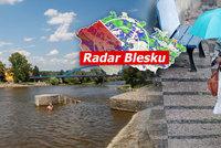 Česko čeká letní víkend s bouřkami, sledujte radar Blesku. A pak přijdou tropy