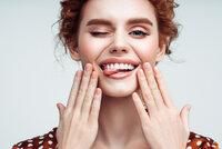 Osm potravin pro krásně bílé zuby: Možná máte některou doma i vy!