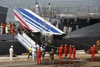 Havárii Airbusu nepřežilo 228 lidí. Za vystresované piloty a vybavení letounu má pykat výrobce i aerolinky