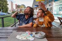 Česko je stále rájem svobody pro alkohol a cigarety. Hned za Německem