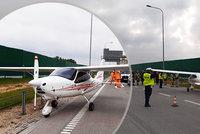 Nouzové přistání uprostřed dálnice: Pilot se přiřítil mezi kolemjedoucí auta!