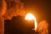 Nejsilnější úder dosud: Izrael do Gazy vyslal přes 100 raket, padaly i domy civilistů