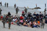 """Z migrace si dělají zbraň, říká expert o Maroku. """"Pojďte, kluci,"""" pustili tam migranty k Evropě"""