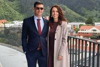 Svatba novozélandské premiérky: Drama u seznamu hostů a Ardernová má problémy se šaty