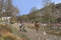 U hradeb v Praze 2 vznikne nový park. Nabídne posezení i zábavu pro děti, podívejte se