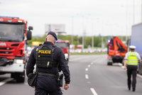 Smrtelná nehoda na Chomutovsku: Řidič dodávky nepřežil náraz do svodidel!