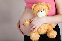 Nejmladší máma ve Velké Británii: Miminko přivedla na svět v 11 letech!