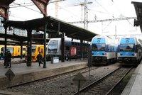 Vlaky se na Masarykově nádraží řítily proti sobě. Tragédii odvrátili strojvedoucí