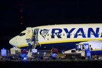 Letadlo Ryanairu nečekaně neplánovaně přistálo v Berlíně. Prohlídka zavazadel kvůli bombě?