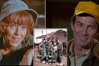 Dvě hvězdy seriálu M.A.S.H. krátce po sobě zemřely: Nemotorná sestřička i odvážný pilot!