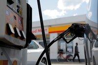 Benzin v Česku mírně podražil, nafta je beze změn. Nejlevněji je na Ústecku, nejdráž v Praze
