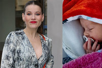 Hvězda Fantoma Opery porodila dceru: Zpěvačka ji pojmenovala po světici!