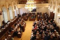 Poslanci budou jednat o 300 korunách k důchodu. A Piráti chtějí obrat Babiše a Agrofert
