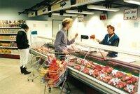 Před 30 lety otevřel v Česku první supermarket: Do Jihlavy jezdily exkurze, zvědavci nakukovali výlohou