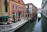 Karanténa na dovolené: V Itálii ji platí stát, v Chorvatsku i Rakousku jdou náklady za vámi