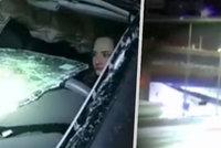 Opilá řidička (27) se s autem zřítila z 21 metrů: Podle záchranářů se podruhé narodila
