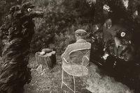 """Fotograf Sudek a """"kouzelník"""" Rothmayer: Z přátelství vzešlo nevšední svědectví o architektově magické zahradě"""