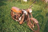 Hledá se veterán: Zloděj přes zimu odcizil historickou motorku z padesátých let