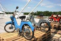 Výstava veteránů v Holešovicích: Na střeše Křižíkových pavilonů parkují motorky, nejstarší je 118 let