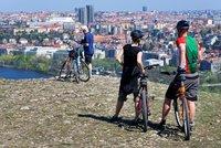 """""""Cykloteroristé"""" v Praze? Lidé si stěžují na bezohledné sportovce, přestupků bylo loni dvakrát víc"""