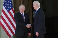 Putin a Biden se poprvé sešli: Obří manévry, 800 členů delegací a luxusní vila