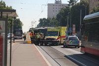 Tragická nehoda na Petřinách: Autobus srazil seniorku (†76), ta i přes snahu kolemjdoucích zraněním podlehla